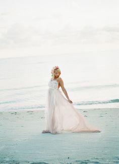 dreamy seaside maternity shoot