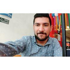 Un niño feliz.  #Selfie #happy #beard #beardman #picoftheday
