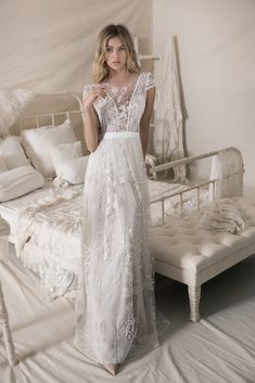 Minimal Wedding Dresses Simple Our Favorite Lace Wedding Dresses with Fashion-Forward Design Details. You& fall head over heels for these stunning lace wedding dresses. Wedding Dress Black, Fall Wedding Gowns, Wedding Dresses 2018, Wedding Dress Trends, Mod Wedding, Designer Wedding Dresses, Bridal Dresses, Lace Wedding, Flower Dresses