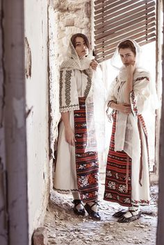 Alina Raducea is an international fashion photographer & film maker based in London, UK. Tribal Fashion, Boho Fashion, Fashion Design, Traditional Fashion, Traditional Dresses, Romanian Girls, Folk Costume, Character Outfits, Female Images