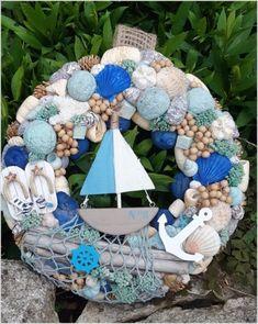 10 Superb Seashell Crafts to Make Seashell Projects, Driftwood Crafts, Seashell Art, Seashell Crafts, Sea Crafts, Diy And Crafts, Deco Marine, Shell Decorations, Nautical Wreath