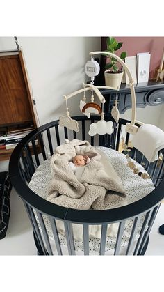 What a nice quiet place for your baby - Looking at your beautiful music mobile in a nice baby nest🖤 - Baby Bedroom, Baby Boy Rooms, Baby Room Decor, Baby Cribs, Kids Bedroom, Baby Zimmer, Baby Gadgets, Baby Box, Baby Room Design