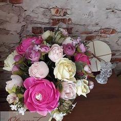 OksanaT (@tvorcheskaia_m77) • Фото и видео в Instagram Floral Wreath, Wreaths, Home Decor, Floral Crown, Decoration Home, Door Wreaths, Room Decor, Deco Mesh Wreaths, Home Interior Design