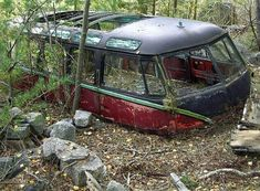 Vintage VW Rusty Bus - Abandoned