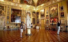Palazzo Pitti - The 15th century Medici palace houses the Galleria Palatina -- second only to the Uffizi in its wealth of artwork.