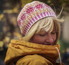 Ravelry: Fair Isle Goes Hippie Hat pattern by Johanne Landin Double Knitting Patterns, Fair Isle Knitting Patterns, Jumper Patterns, Fair Isle Pattern, Knitting Stitches, Knitting For Kids, Free Knitting, Sock Knitting, Fair Isles