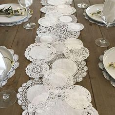 Prettie Table Runner Shab Rustic Paper Doilies Diy Weddings pertaining to proportions 900 X 900 Paper Table Runner Wedding - You could also hand applique i Paper Lace Doilies, Framed Doilies, Paper Doily Crafts, Deco Champetre, Paper Table, Wood Table, Paper Paper, Rustic Table, Kraft Paper