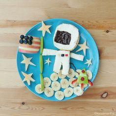 Astronaut in Outer Space. (Pt. 2)  #leesamantha  #breakfast #astronaut