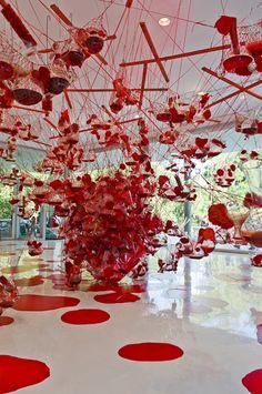Parque temático Inhotim, alguém conhece este parque em BH? Modern Art, Contemporary Art, Red Artwork, Land Art, Installation Art, Art Museum, Sculpture Art, Amazing Art, Art Photography