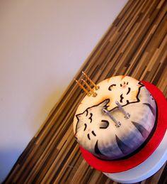 Tesselating Yin Yang Cat Cake