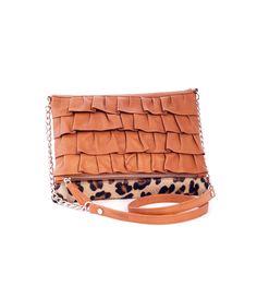 Bolso de piel de potro con print de leopardo de Marga Prado