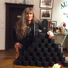 at the signing session while the Framus / Warwick barrel-fill-up event at the Zlegler distillery. #axelritt #the_real_ironfinger #coffin #gravedigger #distillery #gravediggerwhisky #brennereiziegler #freudenberg #framus #warwick #barrel #signingsession