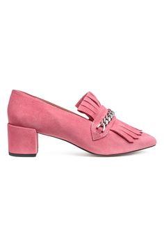 9925a2dcd85 64 bästa bilderna på Shoes i 2019   Slippers, High heels och Party shoes