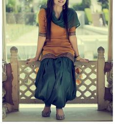 22 Gorgeous ethnic Indian outfit ideas for Republic Day Punjabi Dress, Punjabi Suits, Pakistani Dresses, Indian Dresses, Indian Outfits, Punjabi Girls, Salwar Kameez Simple, Salwar Suits Simple, Patiala Salwar Suits