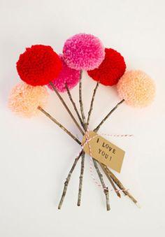 Ramo de flores hecho con pompones en almagra32: San Valentín, revisited
