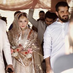 Hamza Ali Abbasi and Nimal Khawar's Latest Pictures from Fiza Khawar's Nikkah Ceremony – The Odd Onee Bridal Mehndi Dresses, Nikkah Dress, Pakistani Bridal Makeup, Asian Bridal Dresses, Pakistani Wedding Outfits, Pakistani Dresses Casual, Indian Bridal Outfits, Bridal Dress Design, Wedding Dresses For Girls