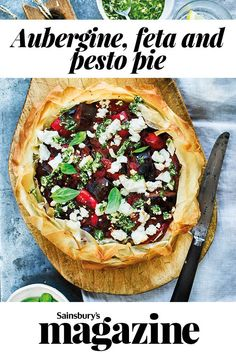 This aubergine, feta and pesto pie recipe is bursting with Mediterranean flavours. Leftovers are great as a packed lunch the next day. Easy Baking Recipes, Pie Recipes, Veggie Recipes, Lunch Recipes, Asian Recipes, Asian Foods, Vegetarian Snacks, Vegetarian Cooking, Veg Pie