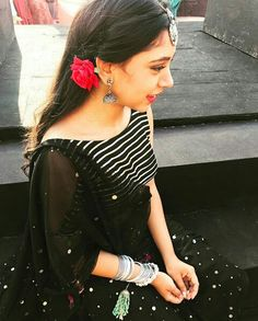 Selfies and Photoshoots of Actress Niti Taylor Ethnic Trends, Desi Models, Niti Taylor, Punjabi Dress, Stylish Dpz, Actress Pics, Indian Couture, Girls Dpz, Indian Models