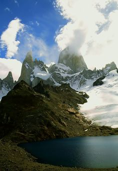 Lago de Los Tres & Fitz Roy by green Southern Cone, Drake Passage, Tropic Of Capricorn, South American Countries, In Patagonia, Fishing Adventure, Bergen, Wonderful Places, Trip Planning