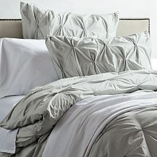 I want bedding sort of like this! decorating-ideas