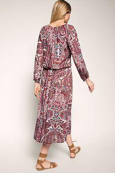How to Boho? Like that: flowy Maxi Dress in reddish hues!