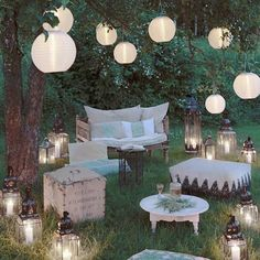 Garden idyll - inspiration here in Westwing magazine - Gartenparty - Garden Party Decorations, Light Decorations, Wedding Decorations, Boho Garden Party, Garden Party Wedding, Garden Weddings, Diy 21st Decorations, Outdoor Party Decor, Backyard Party Lighting