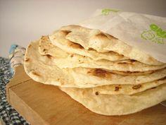 Mancaruri simple: Lipii de casa Vegan, Ethnic Recipes, Food, Essen, Meals, Vegans, Yemek, Eten