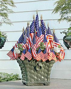 Fourth of July Crafts and Decorations That Show Your Red, White, and Blue Spirit Flag Planter Display There are a number of customs dictating how a flag should be properly displayed. Fourth Of July Decor, 4th Of July Celebration, 4th Of July Decorations, 4th Of July Party, July 4th, 4th Of July Wreath, Holiday Decorations, Outdoor Decorations, Holiday Wreaths