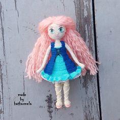 Вязание кукол крючком: МК по вязаной кукле Рее, часть 2, одежда. Схема содержит описание, как связать платье для куклы и босоножки. Автор katkarmela