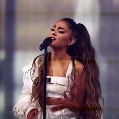 Ariana Grande Concert, Ariana Grande Cute, Ariana Grande Photoshoot, Ariana Grande Drawings, Ariana Grande Wallpaper, Ariana Video, Viking Hair, Bff, Short Film