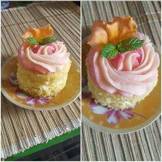 Mini Rose Cake