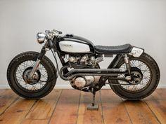Vintage custom Cafe' racer style.
