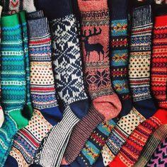 Boot socks: Packed up all my favorite feet sweaters heading u. Cozy Socks, Fun Socks, Happy Socks, Cabin Socks, Fluffy Socks, Knit Socks, Outfit Invierno, Winter Mode, Vintage Mode