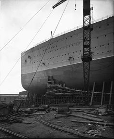 Fore part of the 'Aquitania' (1914) before launch