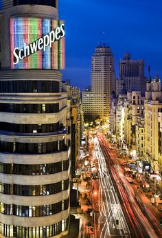 Gran Vía, the perfect street where having a good time and go shopping at the best shops.
