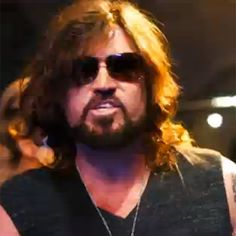 """Like daughter, like father- Check out Billy Ray Cyrus' new hip hop song """"Achy Breaky 2"""""""