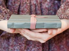 Cuir Journal  oeuf de canard bleu  rose sombre  par JackdawBindery, £19.00