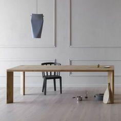 Tavolo in legno con gambe inclinate Manero di Miniforms