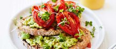 Looking for avocado toast recipes? Here's how to make avocado toast for breakfast or brunch, with smashed avocado on top. Easy avocado on toast recipes Smashed Avocado On Toast, Simple Avocado Toast, Best Avocado Recipes, Best Brunch Recipes, Dinner Recipes, Lunch Recipes, Favorite Recipes, Avocado Dessert, No Calorie Foods