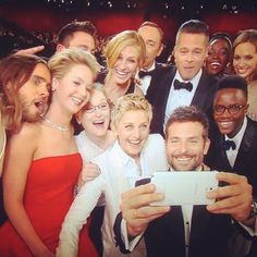 Ellen DeGeneres Group Selfie at the Oscars 2014
