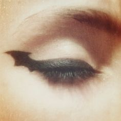 The Noir Nymphet; Beautiful eyeliner linework. Spooky too!