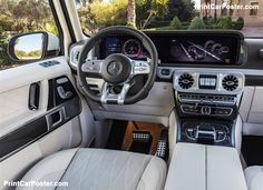 The G offers more space in the interior Mercedes Benz G Class - Best G Wagon Mercedes Benz Amg, Mercedes G Klasse Amg, Carros Mercedes Benz, Mercedes Benz G Class, Mercedes G Wagon Interior, Classe A Amg, G Wagon Amg, G63 Amg, Mercedez Benz