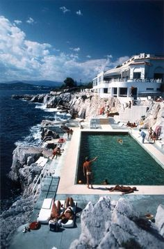 The jet set on holiday at the Hotel du Cap-Eden-Roc