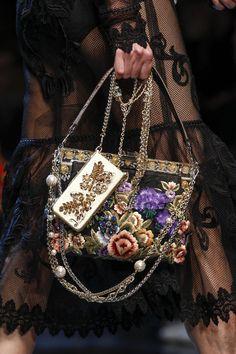 165 лучших сумок Недели моды в Милане   Мода   Выбор VOGUE   VOGUE
