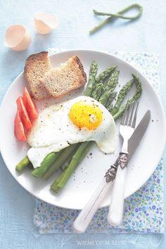 Wiem co jem: Szparagi z jajkiem sdzonym