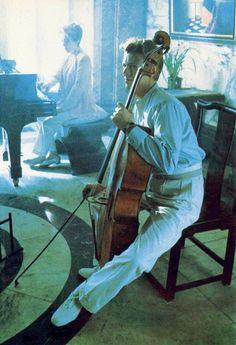David Bowie & musical instruments