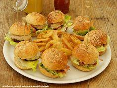 Mini-hamburguesas de pollo con receta casera de pan y ketchup