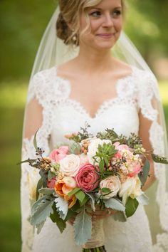 Pink and Coral Bridal Bouquet | Amanda Suanne Photography | Bridal Musings Wedding Blog