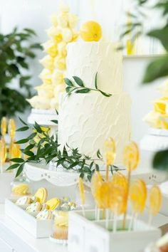 If travelling to the Amalfi Coast is on your bucket list than this bridal shower will seriously make you swoon. Bridal Shower Tables, Bridal Shower Decorations, Purple Wedding Cakes, Gold Wedding, Summer Bridal Showers, Shower Cakes, Amalfi Coast, Sorrento Italy, Naples Italy