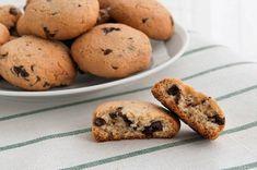 ¿Niños en casa? Haz galletas! Os recomiendo estas #Galletas de chocolate crujientes http://www.recetasderechupete.com/receta-galletas-crujientes-chocolate/17314/
